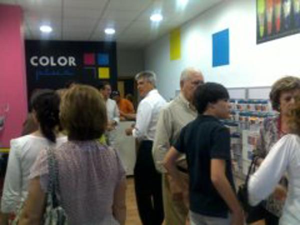 Inauguración de una nueva franquicia Color Plus en Cáceres.