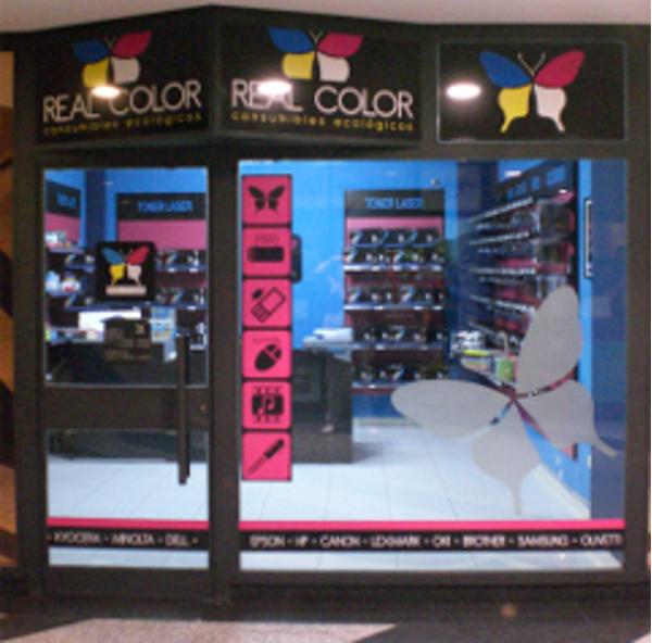 Real Color inaugura franquicia en Ourense