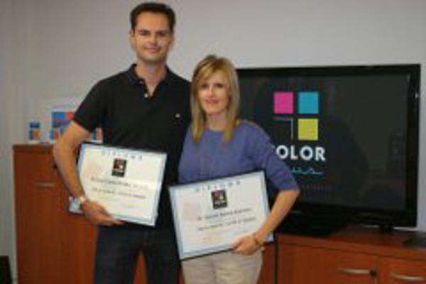 La franquicia Color Plus Utrera obtiene sus certificados de formación