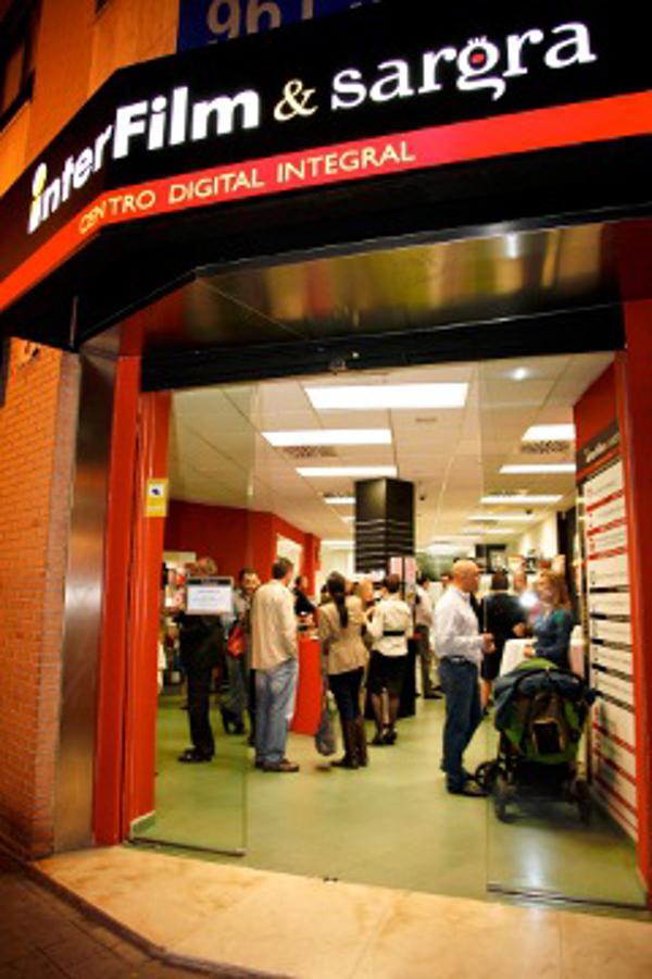 La franquicia Interfilm inaugura el mayor centro de fotografía de España