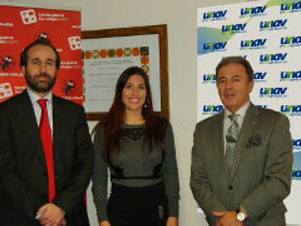 Acuerdo entre la franquicia Almeida Viajes y la Unión Empresarial de Agencias de Viaje