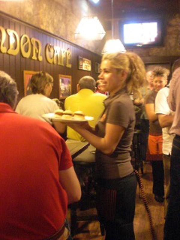 Continúa la expansión a nivel nacional de la franquicia London Café