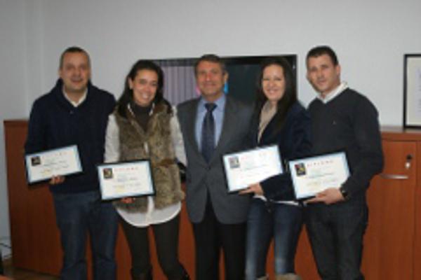 Ortorgados los diplomas de la franquicia Color Plus en sus tiendas de Lugo y Benaguasil