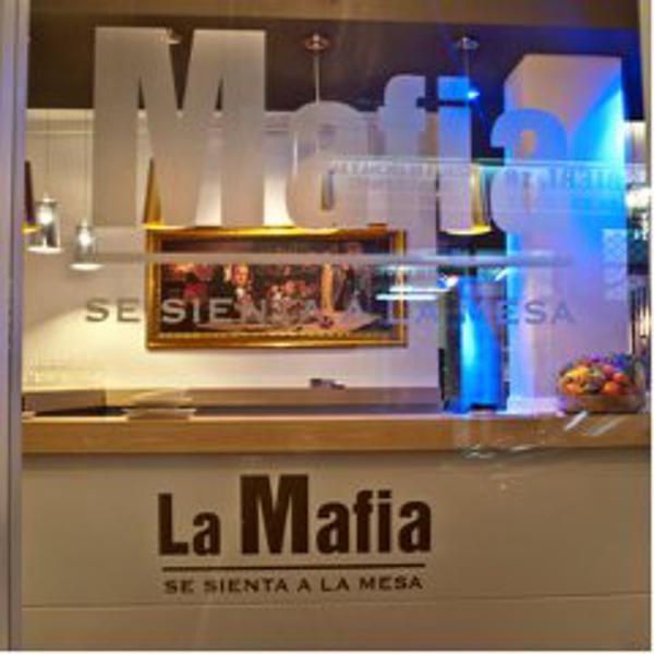 Último sprint en 2011 de la franquicia La Mafia se sienta a la mesa