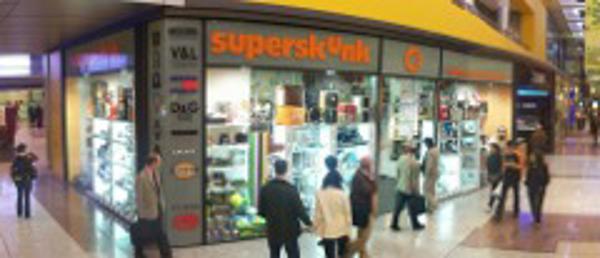 Superskunk se consolida en España con la apertura de una nueva franquicia
