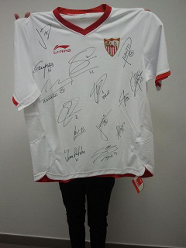 Dental Company sorteará una camiseta del Sevilla FC entre sus seguidores de Facebook
