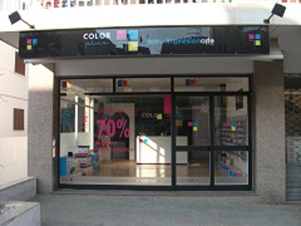 La franquicia Color Plus inaugura tienda en Cala Millor (Mallorca)
