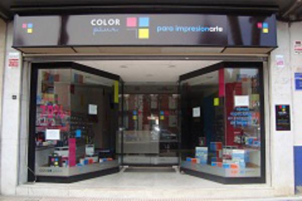 Se inaugura en Alcalá de Henares una nueva franquicia de Color Plus