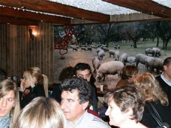Éxito total en la inauguración de una nueva franquicia Taberna Doncurado en Blanes