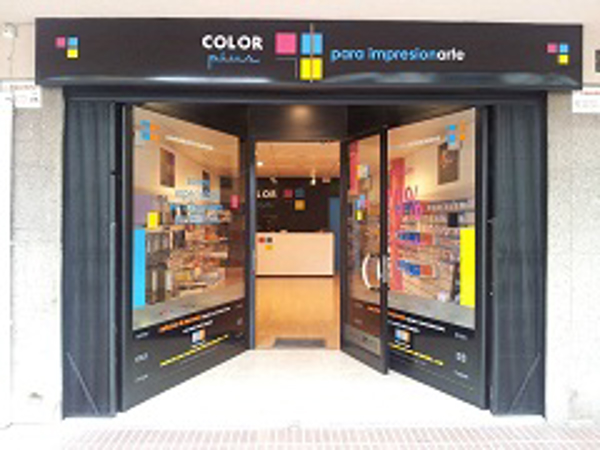 Color Plus inaugura franquicia en Salou