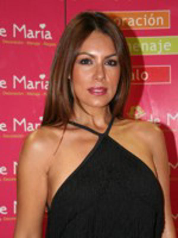 Jacqueline de la Vega madrina de la franquicia El Rincón de María