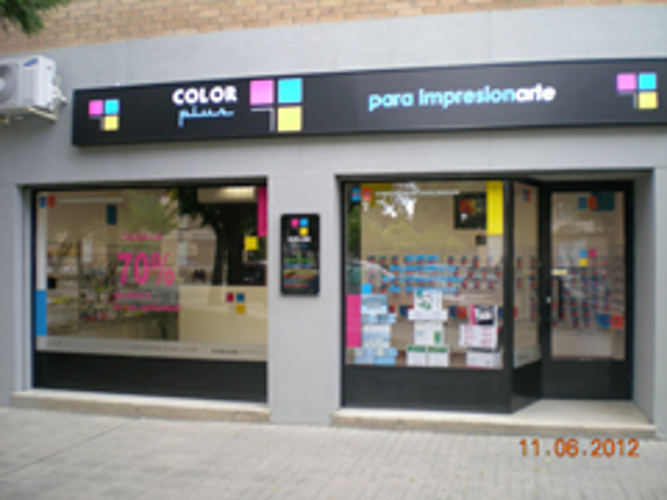 Color Plus suma una franquicia en Huesca