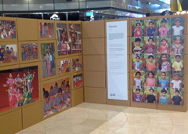 """C.C. Las Arenas de Barcelona acoge la exposición """"Miradas de Mumbai"""""""