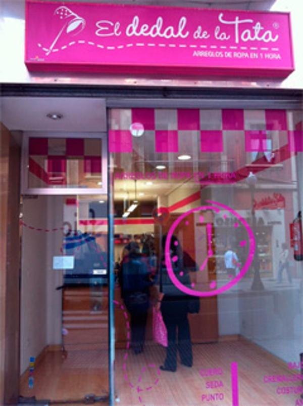 """Nuevo modelo de tiendas """"Low Cost"""" de El Dedal de la Tata"""