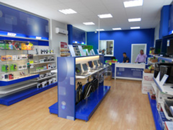 Las red de franquicias BEEP cuenta con una nueva imagen para sus tiendas